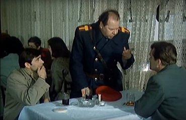 Nebejt toho úrazu... chytla mě drezína, koleno fuč. Ale ještě byste mě rádi v Bartolomějský koupili...