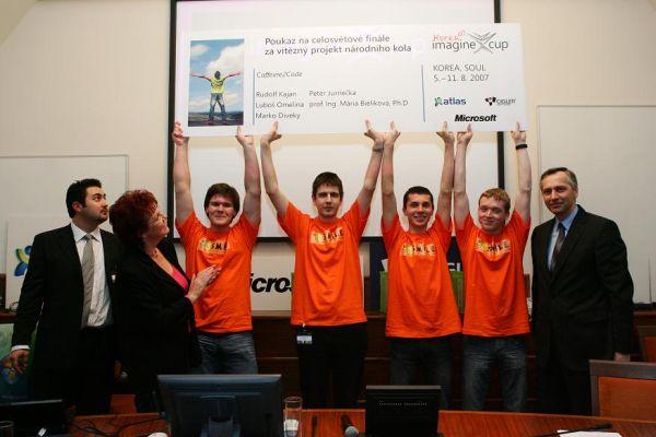 Výtězný tým Imagine Cup 2007