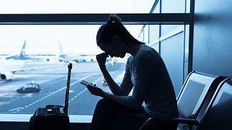 Do letadla bereme nezbytnou kosmetiku a speciální podkolenky ... 50420dcafe