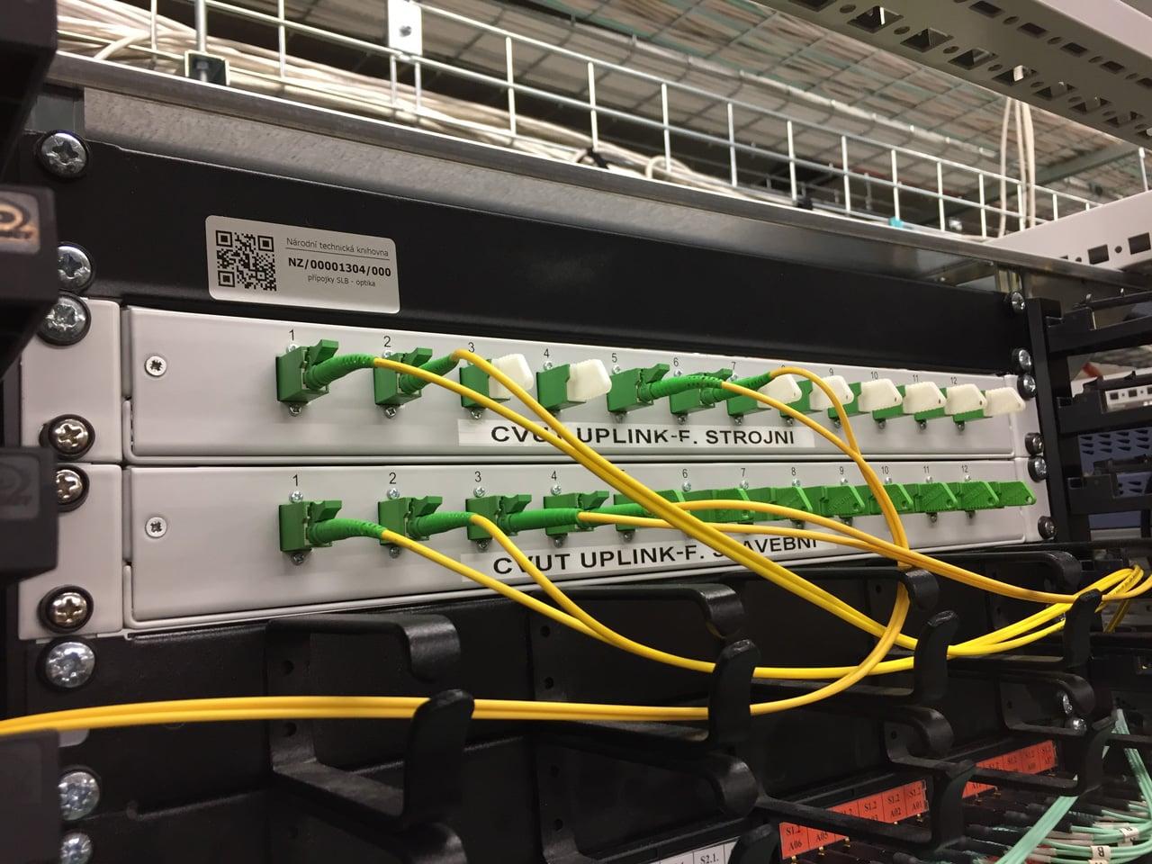Počítače s Linuxem a serverovna v Národní technické knihovně