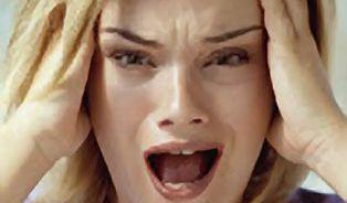 Migrény často začnou a skončí s menstruací