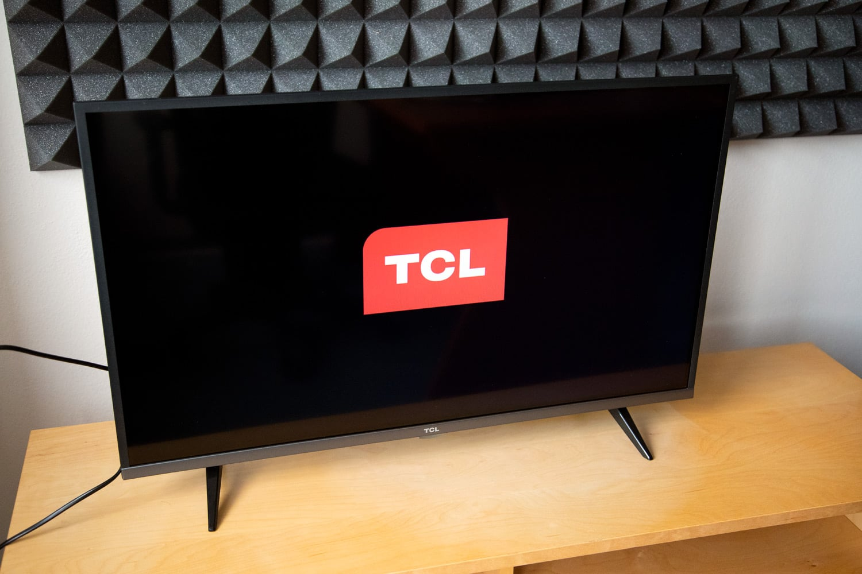 TCL 32ES580 - první zapnutí
