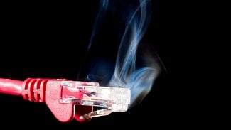 Ethernet oheň hoří DDoS