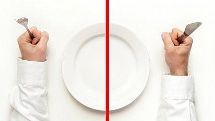 Vitalia.cz: Extrémy ve výživě: paleo dieta vs. syrová strava