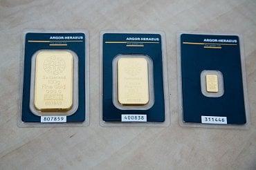 Investiční slitky 100 g, 1 oz a 1 g, které mincovna drží skladem