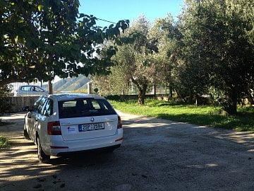 I takovéto obyčejné auto může být pro vás spásou. Škoda Octavia kombi přijela pro repatriaci rodiny zpět z Řecka na Slovensko.