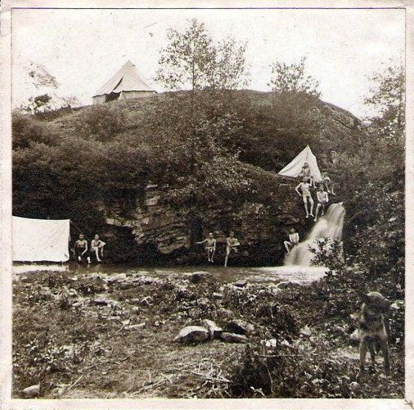 Skauti v Prokopském údolí, 1911