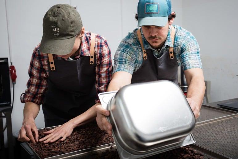 Tady se připravuje druhá nejlepší čokoláda na světě. Ajala