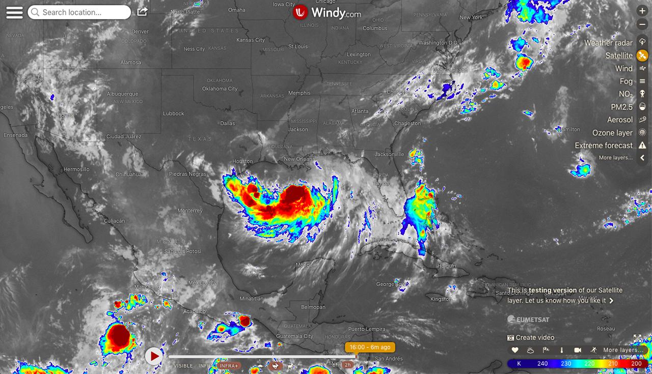 Animované satelitní snímky ve Windy.com