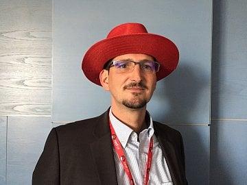 Brian Cornell, viceprezident Red Hatu.
