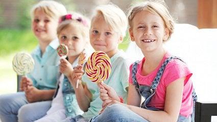 Vitalia.cz: Čím nahradit sladkosti, aby to dětem chutnalo