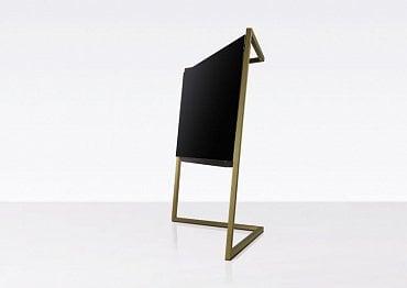 Designový minimalismus v podobě OLED televizoru Loewe Bild 9.55, AmberGold.