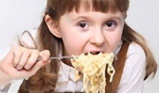 Vegetariáni se ve školních jídelnách nenajedí