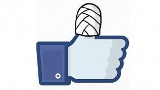 Lupa.cz: Facebook je nemocný. Léčí se na úkor stránek