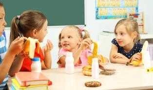 Ve školních obědech je spousta niklu iolova. Dobrou chuť,děti