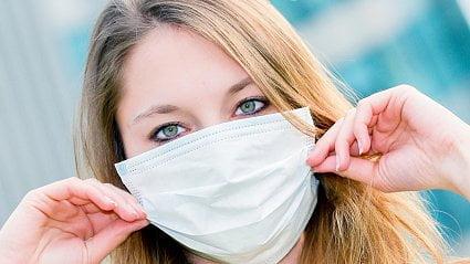 Vitalia.cz: Zásoby respirátorů a roušek vlékárnách jsou na nule
