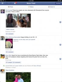 Titulní stránka po přihlášení do Facebook aplikace pro iPad.