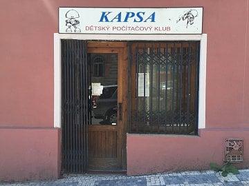 Počítačový klub Kapsa v Praze ve Vršovicích.