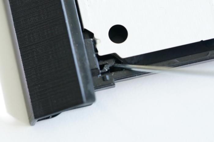Aby to vypadalo hezky – odstraňte umělohmotný ráfek z původní mechaniky