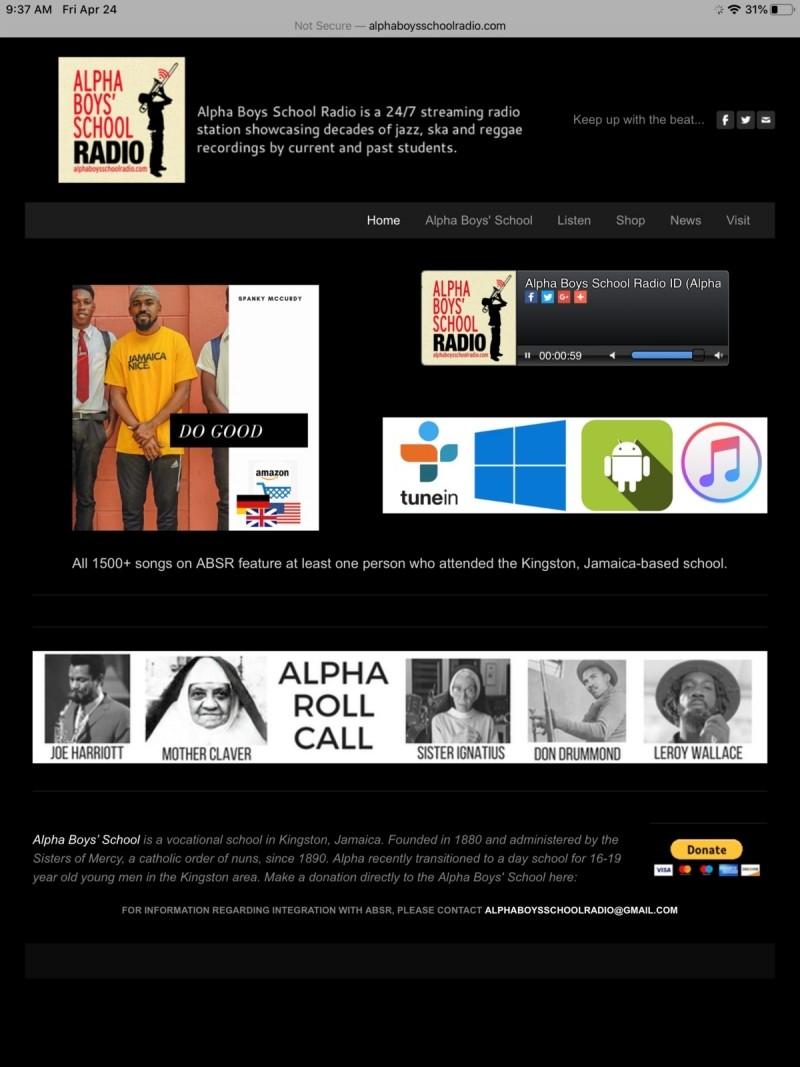 Absolventi školy hrající reggae jsou oblíbeni v Kingstonu, na jamajské rozhlasové stanici Alpha Boys School Radio.
