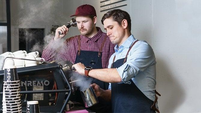 Pandemii navzdory: Rozjeli vdobě covidu síť kaváren a chtějí mít velký řetězec