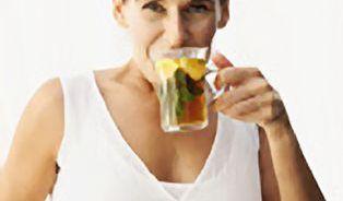 Bylinky, nebo hormony - co pomůže v menopauze?