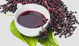 Bezinkový čaj a další recepty zčerného bezu pro zdraví