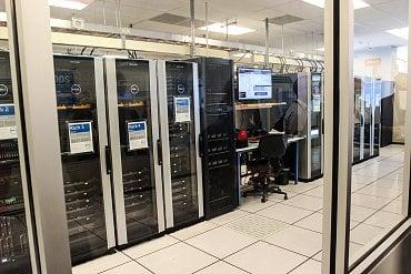 Serverovna, kde se modelují prostředí zákazníků.