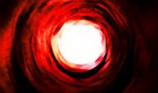 Proč umírajícím proletí před očima celý jejich život nebo vidí světlo v tunelu?