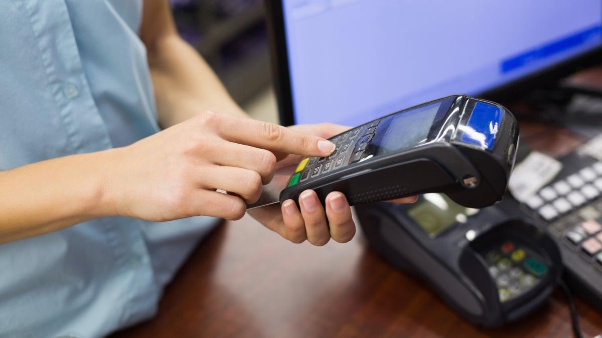 Komplikace pro podnikatele, systém EET přestane podporovat některé pokladny