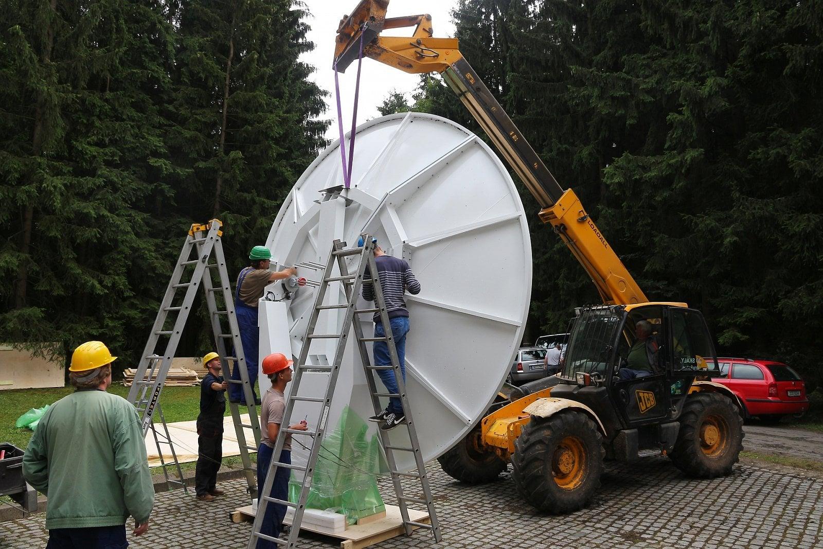 Montáž radaru Vaisala WRM-200