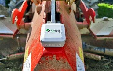 Senzor na zemědělském zařízení.