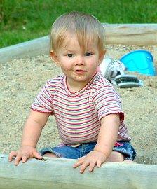 Dítě na pískovišti: Často proběhne i ochutnávka