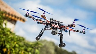 Lupa.cz: EU se chystá zregulovat létání dronů