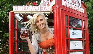 Nejmenší  hospoda na světě je vtelefonní budce