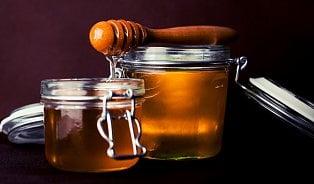 Může se med zkazit? Pravdy a mýty omedu