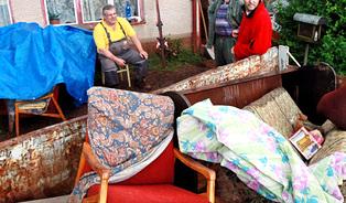 Povodně 2013: Hlavně to neřešte pasivitou a chlastem