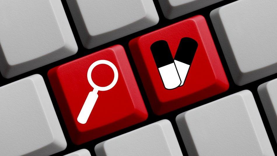 Gynekologové kšeftují po internetu srecepty na léky. Nebezpečné, varují experti