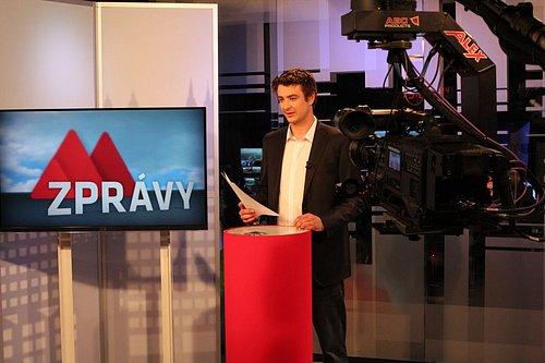 Pohled do nového studia TV Metropol, z něhož vysílá od počátku června televize Metropol
