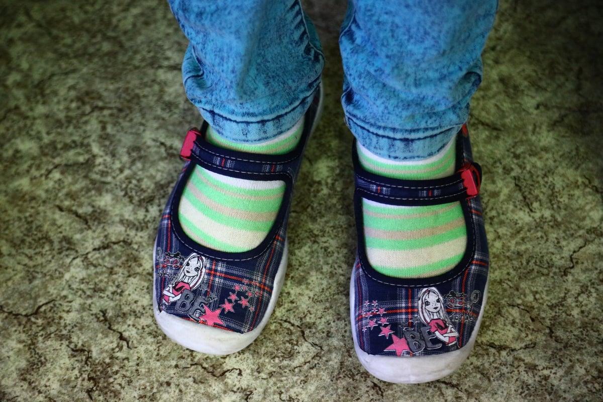 Tohle nosí na nohou děti na základní škole