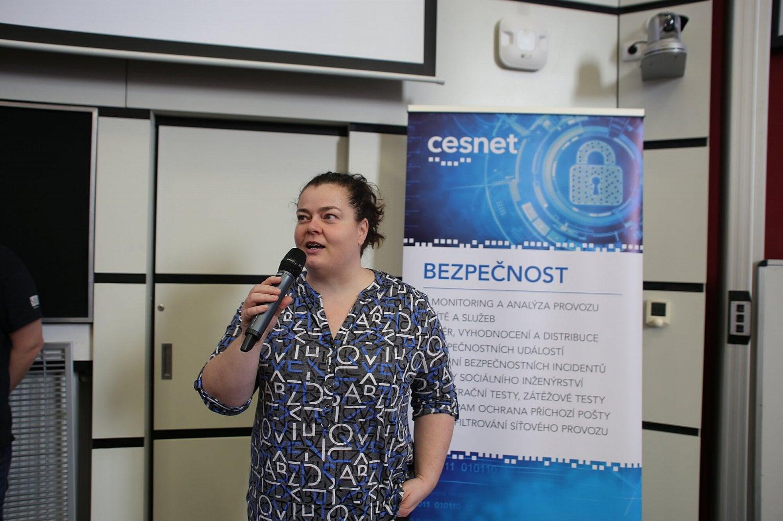 Seminář o bezpečností sítí a služeb 2020