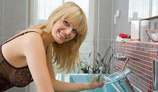 5% lidí si ráno nečistí zuby