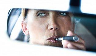 Názory na elektronické cigarety se nesbližují