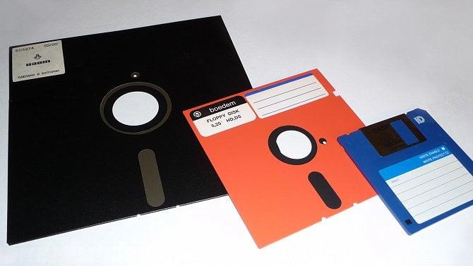 Diskety slaví 50let: od plastového kotoučku po ikonku ukládání souborů
