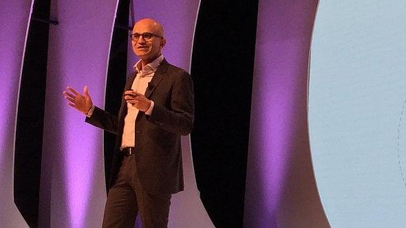 Pracujeme na nové éře počítačů, řekl vPraze šéf Microsoftu Satya Nadella