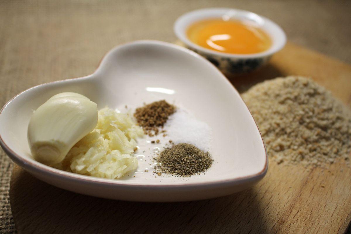 Polévka s játrovými knedlíčky - recept z kuřecího vývaru