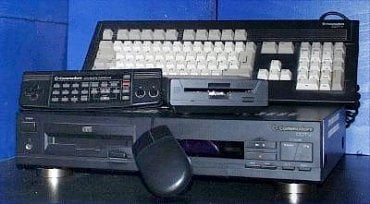 Amiga CDTV - pokus Amigy o mediální centrum u TV.