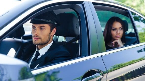 Řidiči, co taxikaří bez licence, ušetří. Na povinném ručení iněkolik desítektisíc