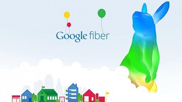Osobnost českého e-governmentu, Google ruší gigabitový internet, akcie Oraclu majírekord [Výběr]