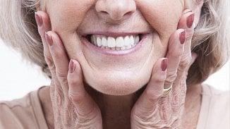 Zubní protézu platí pojišťovna jednou za tři roky